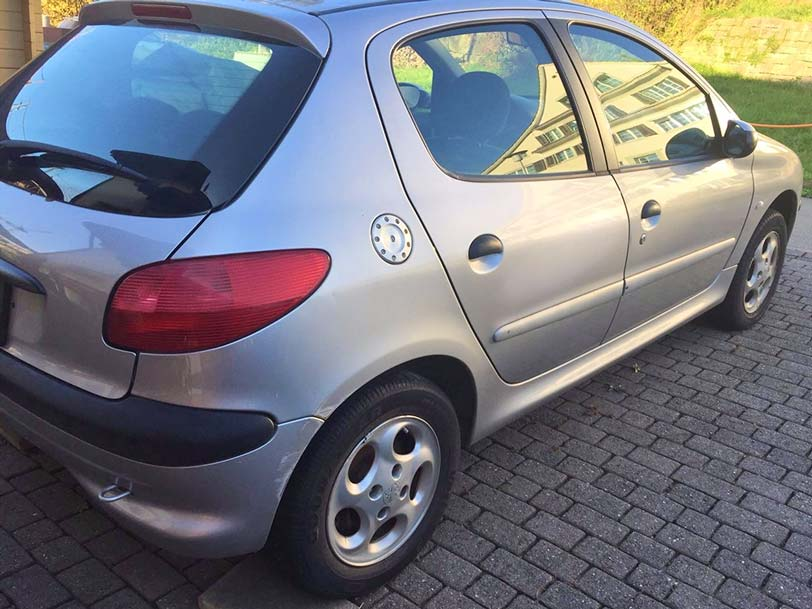 Peugeot 206 2001 208000 1,4L Benzin manuell Klima