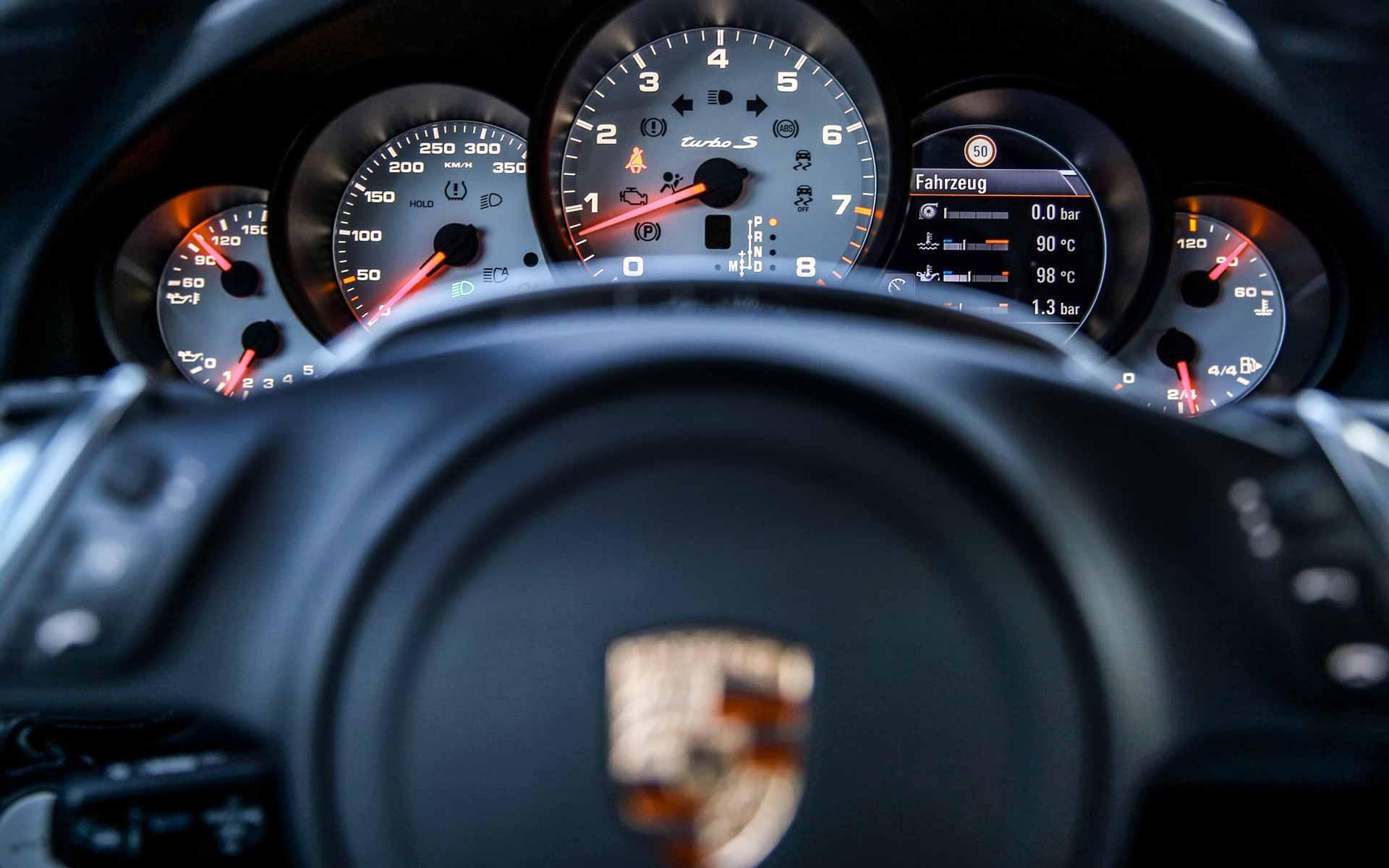Cockpit Porsche Detail Auto Itani Autoankauf
