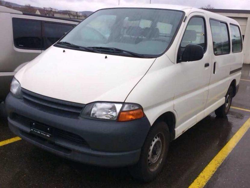 Toyota Hi-Ace 2001 2,7L Automat 4x4 Klima 195000km Benziner Autoankauf Itani
