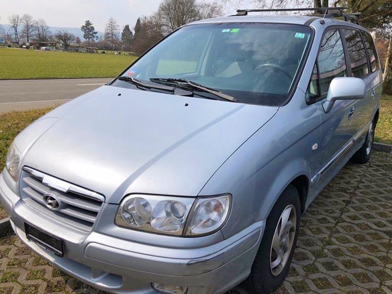 Hyundai Trajet 2007 Handschaltung Benzin 197000km 2L