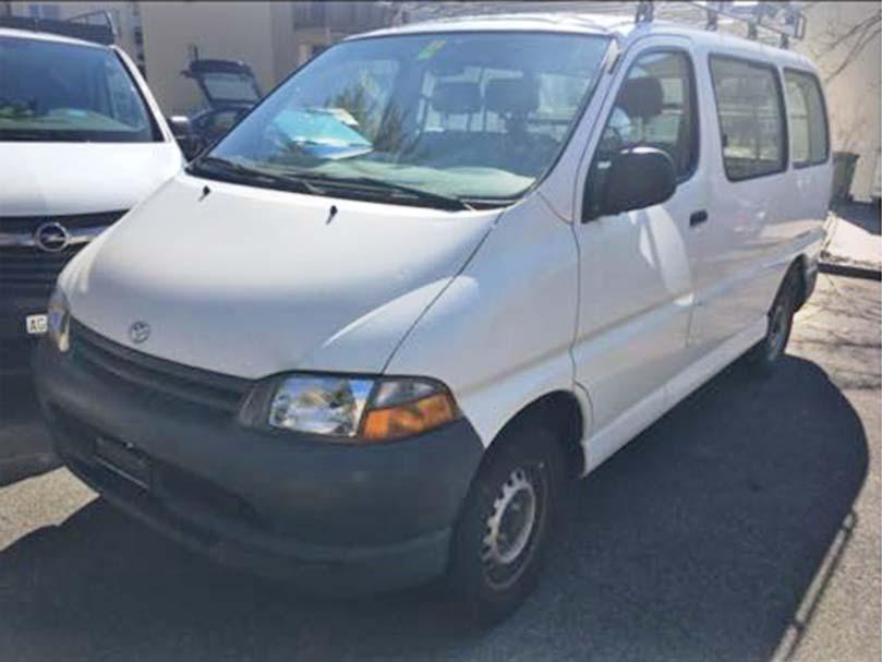 Toyota Hi-Ace 2001 Van 2,7L Benzin 245000km Handschaltung