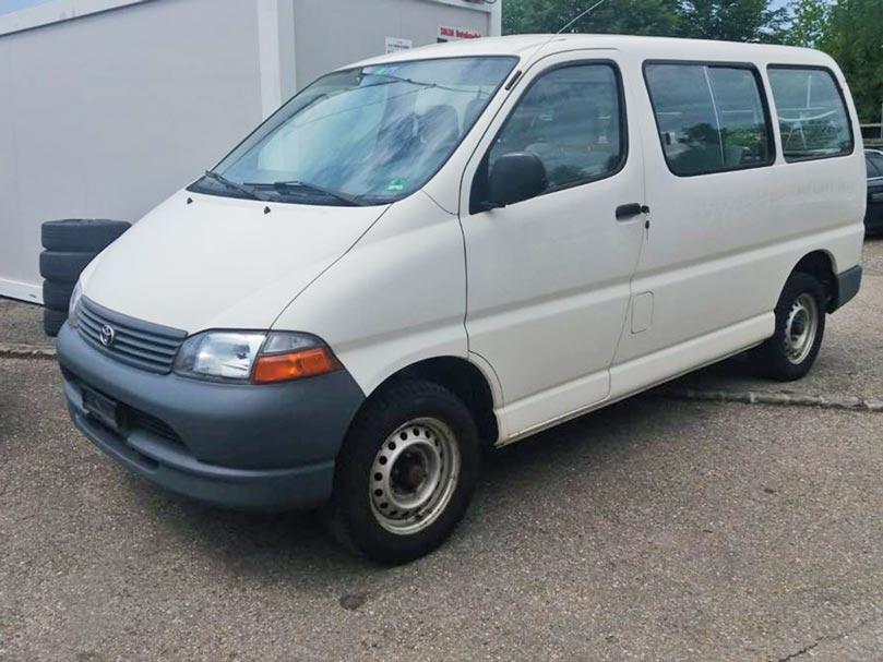 Toyota Hi-Ace 2003 Benziner 2,7L manuell 223000km Autoankauf