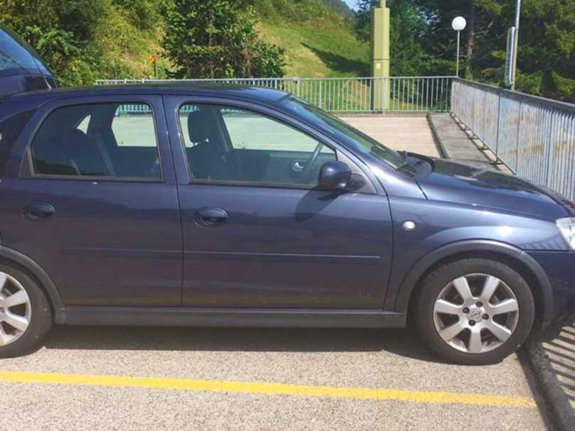 OPEL Corsa 2006 Benziner 1.4L Manuell Klima 120000km
