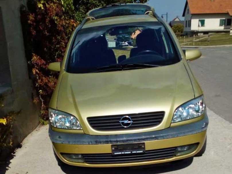 Opel Zafira 2001 Automat Klima 1,8L 220000km