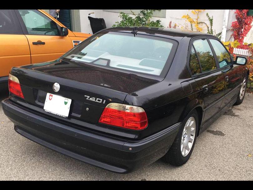 BMW 740i Benziner Automat 2001 Hinterradantrieb 258PS 3901ccm 2115kg 8Zylinder 160000km