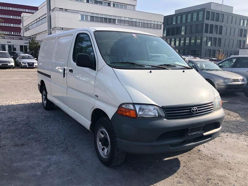 Toyota Hi-Ace Kombi LWB 2005 Diesel weiss 2694ccm 1790kg Hinterradantrieb 143PS