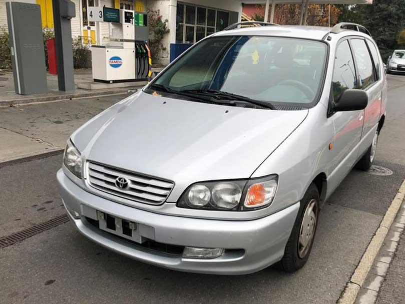 Toyota Picnic Silver Sound 2001 Benziner 183000km 128PS kein Rost 6Sitzer 1450kg 1998ccm 4GangAutomat