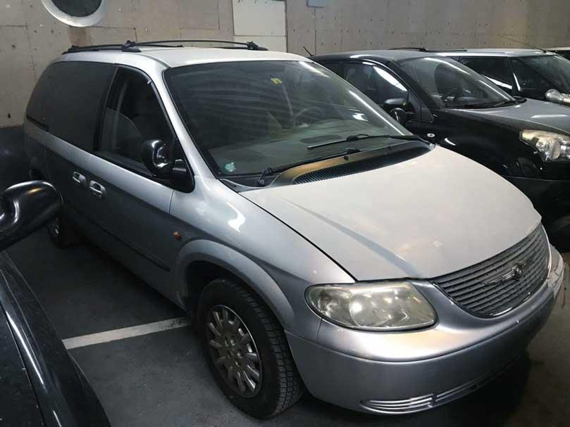Chrysler Voyager Diesel 3,3 2006 139000km 174PS 2040kg 6zylinder 3301ccm Vorderradantrieb 16,3L 7Sitze