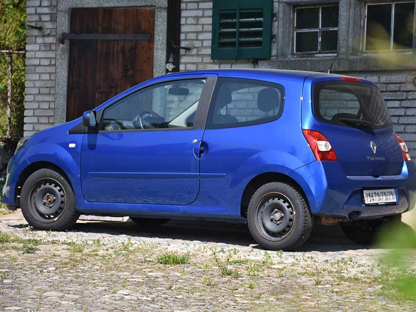 RENAULT TWINGO 1.2 Expression 2007 60PS 94000km manuell Benziner 1149ccm 1040kg 1RA838
