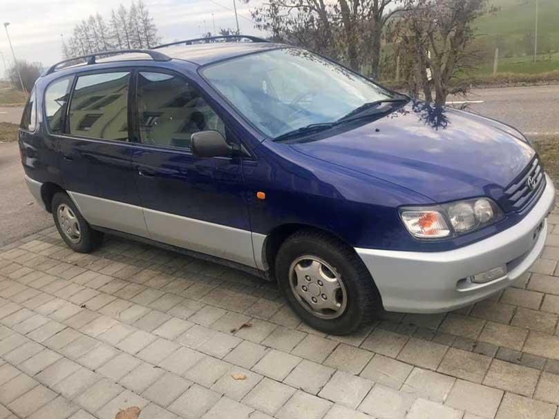 Toyota Picnic Diesel 2002 2,0L 212000km 128PS 1998ccm Automat 1515kg blau 12L