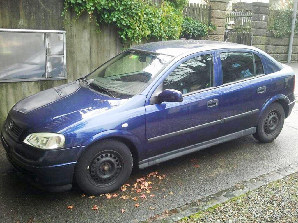 OPEL Astra 1.8i 16V 2001 Automat Benziner 115PS 1796ccm 1254kg 156000km blau87,5L