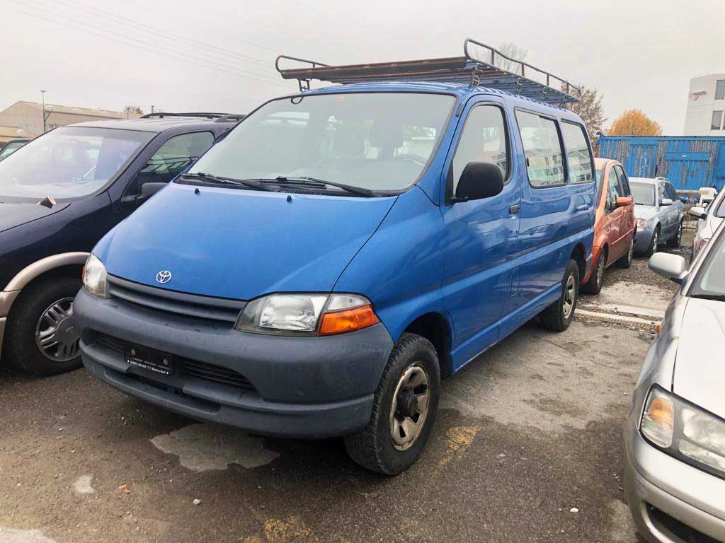 TOYOTA Hi-ace 2.7 GL Wagon 4x4 2.7L Benziner 2001 218000km 2694ccm 1980kg 143PS 12,6L