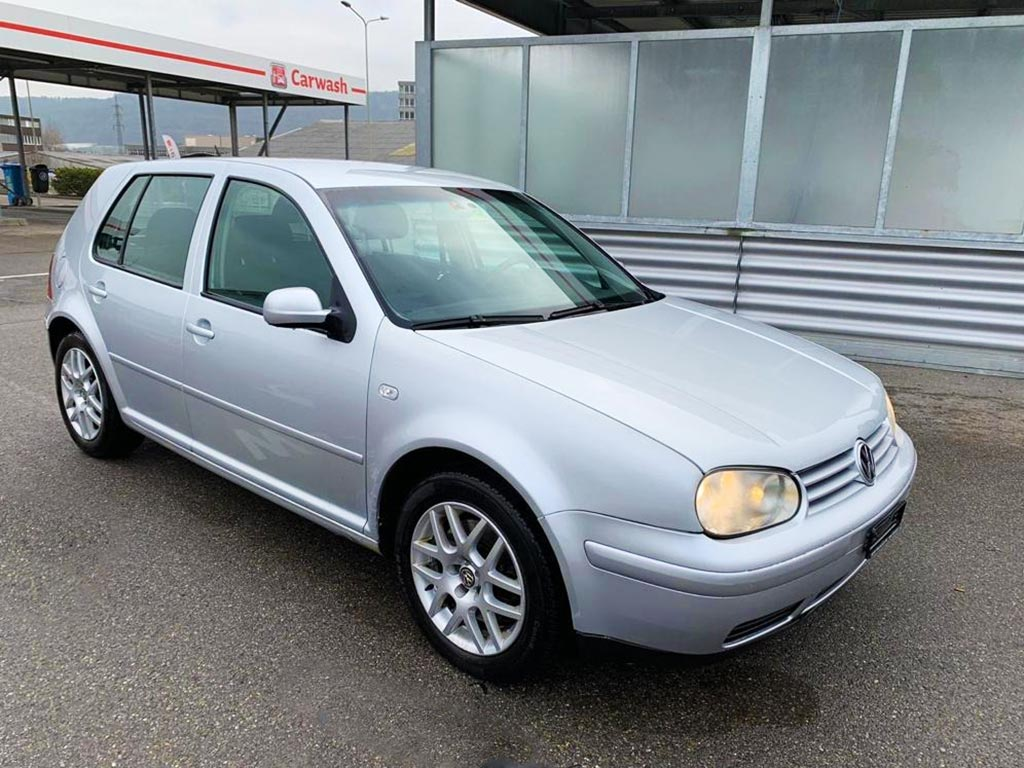 VW Golf 1.6 Comfortline Automatic 2002 1,6L Benzin 98000km 100PS 1595ccm 1438kg Grau 7,8L