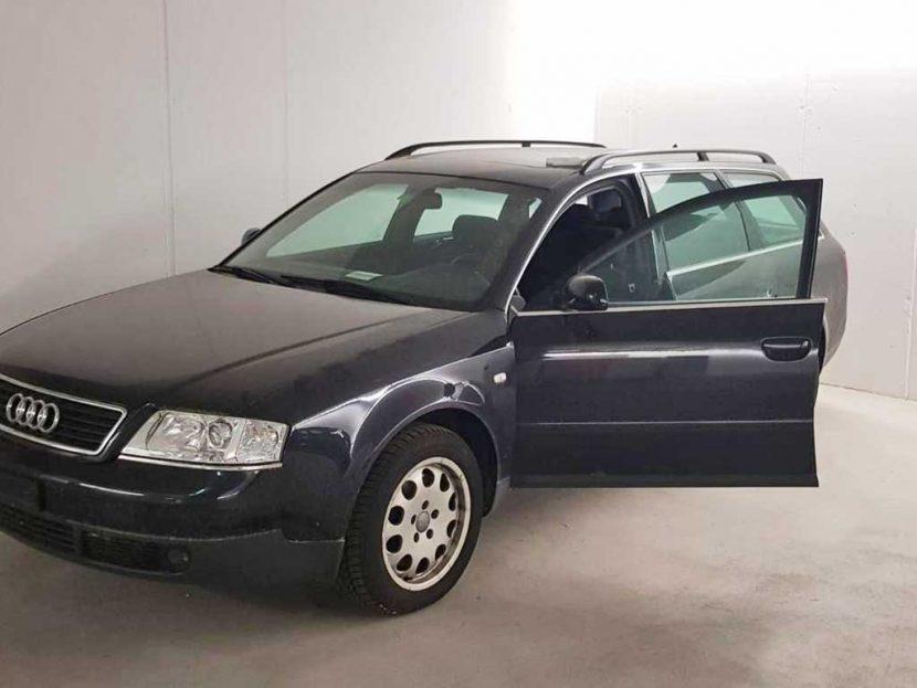 AUDI A4 Avant 1,8 T Advance Kombi 1999 handgeschaltet Benziner 217000km 150PS 1782ccm 1496kg schwarz 9L