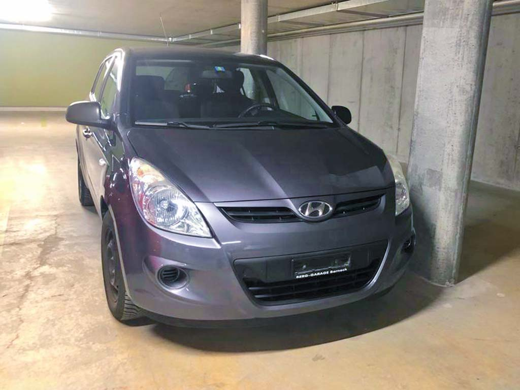 HYUNDAI i30 1,4 Comfort Limousine 2011 Benziner Automat 146000km Anthrazit 110PS 1396ccm 1360kg 6,2L