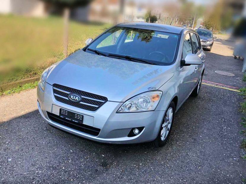 KIA Ceed 1,6 16V Trend 2006 Benziner manuell 122PS 1591ccm 1370kg silbergrau 173000km 6,4L