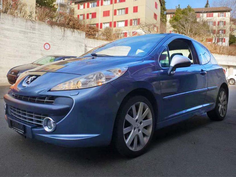 PEUGEOT 207 1.4 16V Sport Kleinwagen 2008 Benziner manuell 137000km blau 1397ccm 1320kg 6,1L