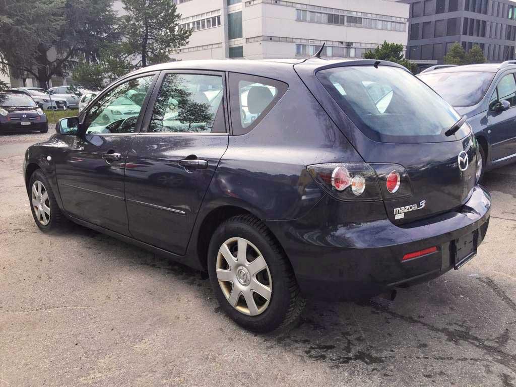 MAZDA 3 1,6 16V Confort Limousine Benziner 2005 Automat 105PS 1598ccm 1344kg 7,8L