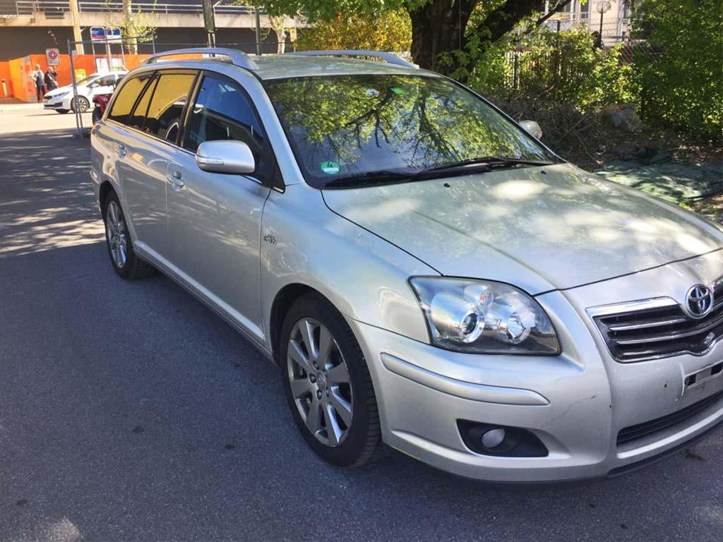 TOYOTA Avensis 2,0D-4 D Linea Sol Liftback Kombi 2005 Diesel Automat 156000km 1995ccm 116PS 1536kg 5,9L