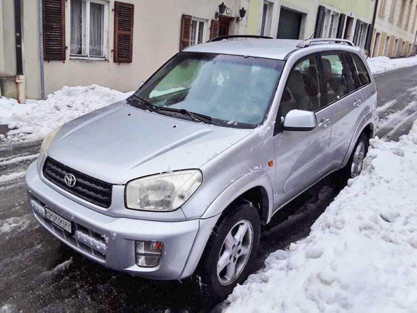 TOYOTA RAV-4 2,0 16V Linea Sol SUV Gelaendewagen Benziner 2001 150PS 1998ccm 1494kg Allrad 8,8L