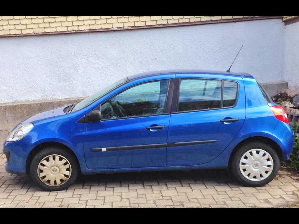 RENAULT Clio 1,2 Fairway Kleinwagen Benziner manuell 59PS 218000km 1149ccm 1050kg blau 6L