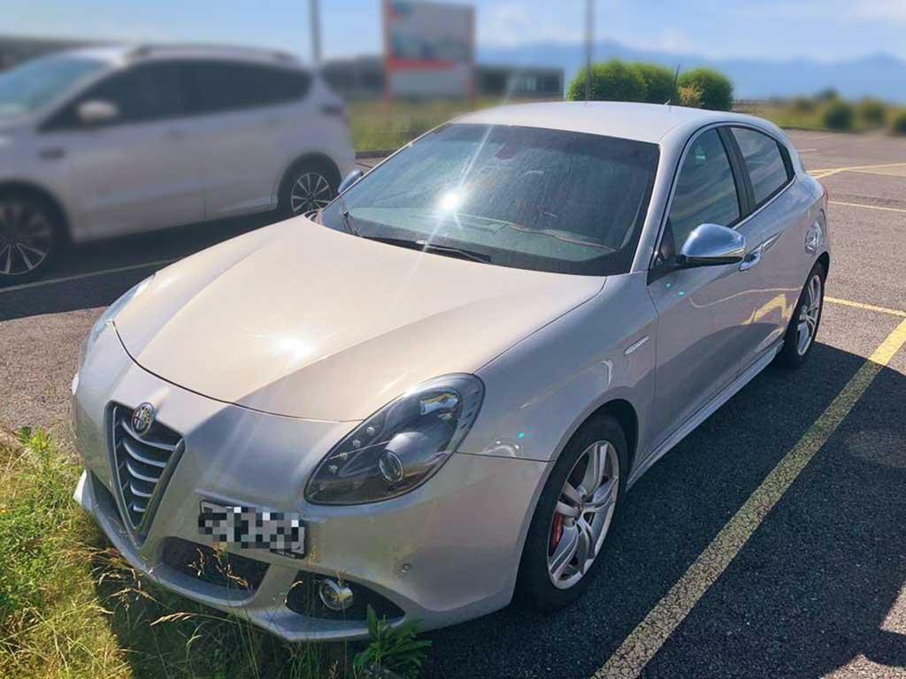 ALFA ROMEO MiTo 1,4 TB Distinctive TCT Kleinwagen 2011 Benziner manuell 129000km 135PS 1368ccm 1244kg Perlmuttweiss 5,5L