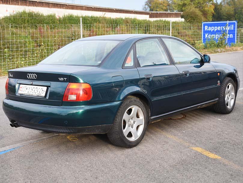 AUDI A4 1,8T 245000km 2001 Benziner Vorderradantrieb 1781ccm 150PS 1630kg 7,9L