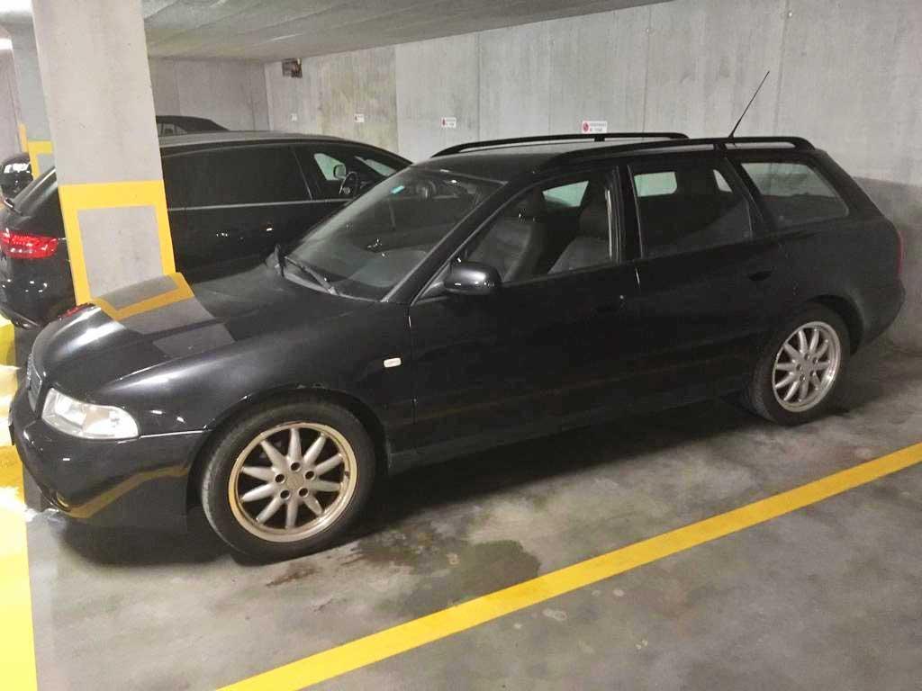 AUDI A4 Avant 2,8 quattro Ambiente 1999 Kombi 192PS manuell Benziner 1700kg Allrad 6Zylinder 2771ccm 243000km 10,5L