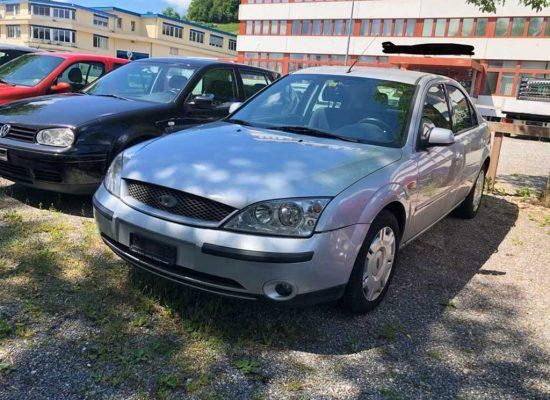 FORD Mondeo 2,0i 16V Ghia Limousine manuell Benziner 2004 145PS 1999ccm 189000km 1410kg 10L