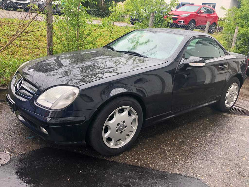 MERCEDES-BENZ SLK 320 Cabriolet 2003 Benziner Automat 247000km 218PS Hinterradantrieb 3199ccm 6Zylinder 1425kg 10,4L schwarz