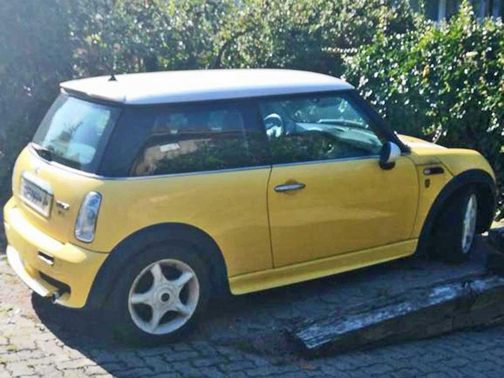 Mini Cooper 2003 Benziner manuell Kleinwagen 115PS 1598ccm 216000km 1164kg