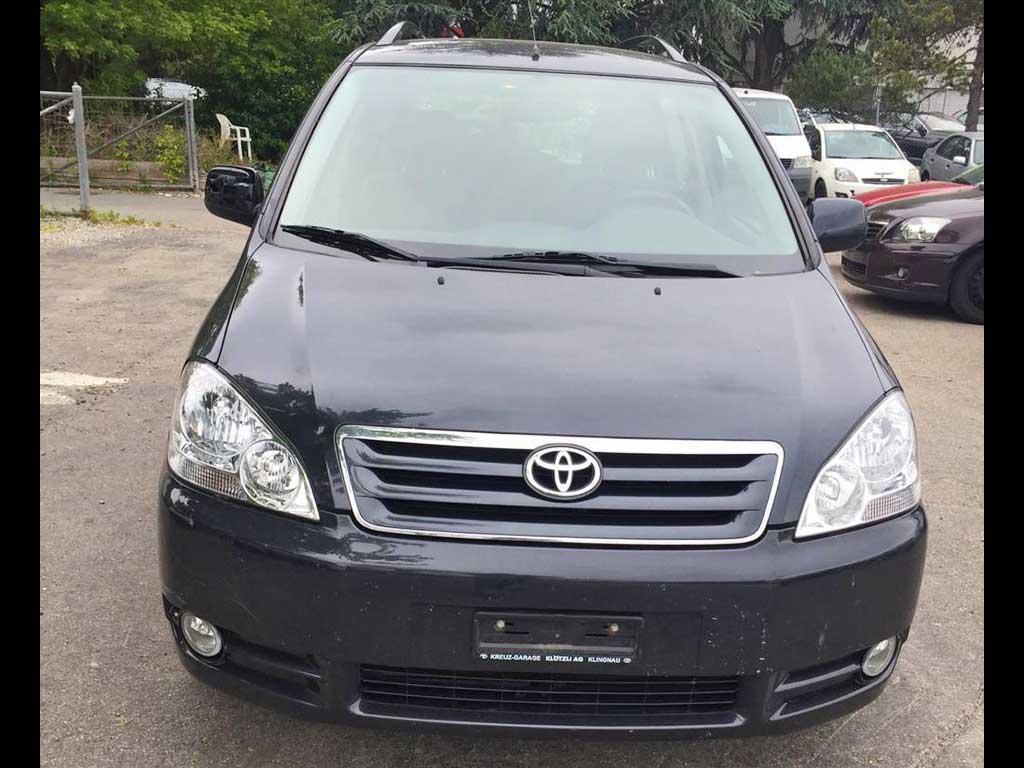TOYOTA Avensis Verso 2,0 VVT-i Linea Terra Kombi 2005 Automat Benziner 172000km 150PS 1998ccm 1644kg 8,2L