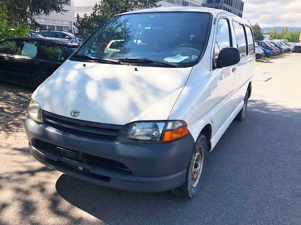 TOYOTA Hiace 2,7 GL Wagon 4x4 Bus 215000km manuell 143PS 2694ccm 8Sitze Allrad 1974kg 13,4L weiss
