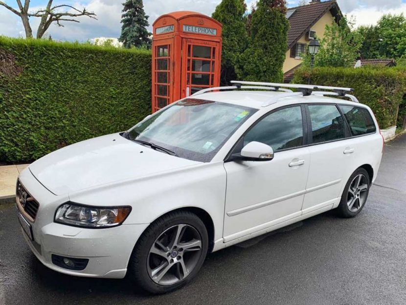 VOLVO V50 T5 AWD Momentum Geartronic Kombi Benziner 2009 Automat Allrad 5Zylinder 230PS 2521ccm 1570kg 183000km 10L