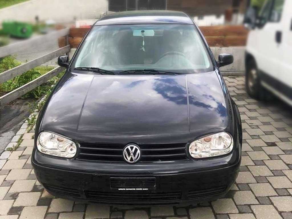 VW Golf 1,6 16V Benziner 2003 manuell 183000km 1420kg 1598ccm 105PS schwarz 7,0L