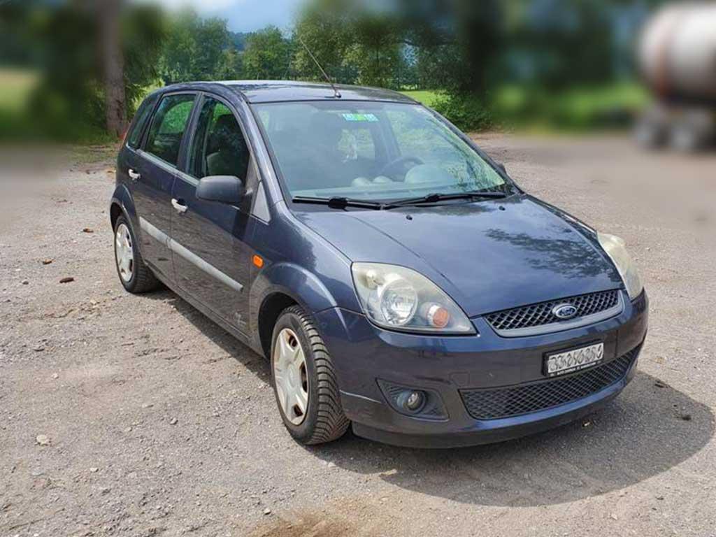 FORD Fiesta 1,4 16V Ambiente Kleinwagen 2006 Benziner manuell 161000km 80PS 1388ccm 1160kg 5,2L