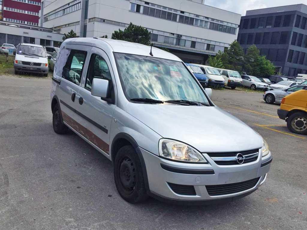 OPEL Combo Tour 1,3 CDTi Linea Fresca Minivan 2005 Diesel manuell 182000km 70PS 1248ccm