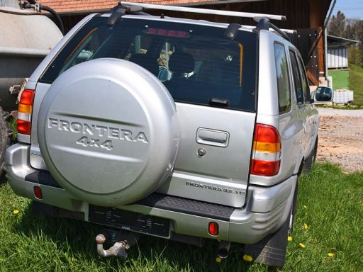 Opel Frontera 3.2 V6 Gelaendewagen Offroader 205PS 2004 3165ccm 1886kg 13L Allrad Hinterseite