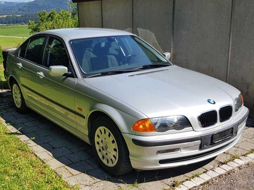BMW 320i Limousine Benziner 2001 Automat 170PS 2171ccm 142000km 6Zylinder Hinterradantrieb 1500kg 9,2L