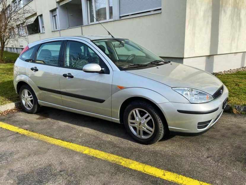 FORD Focus 1.6i 16V Carving 2004 Benziner manuell 173000km 100PS 1596ccm 1276kg
