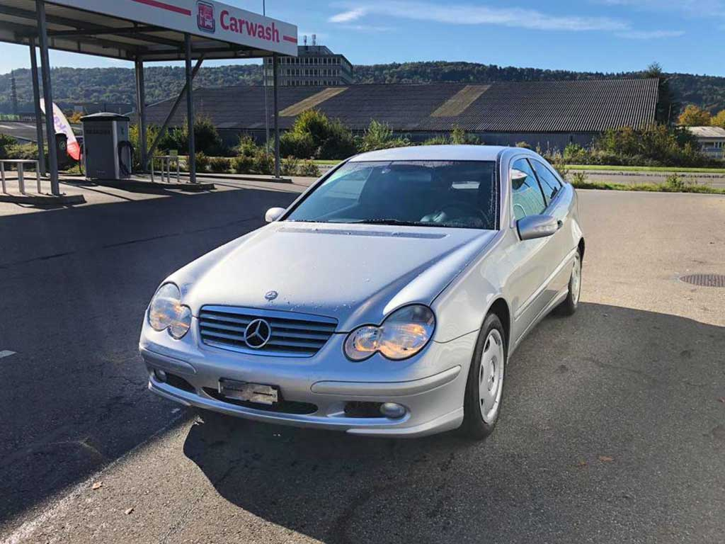 Mercedes C 320 Coupe 2003 Benziner Automat 127000km 218PS 3199ccm 1540kg 6Zylinder Hinterradantrieb 11,2L