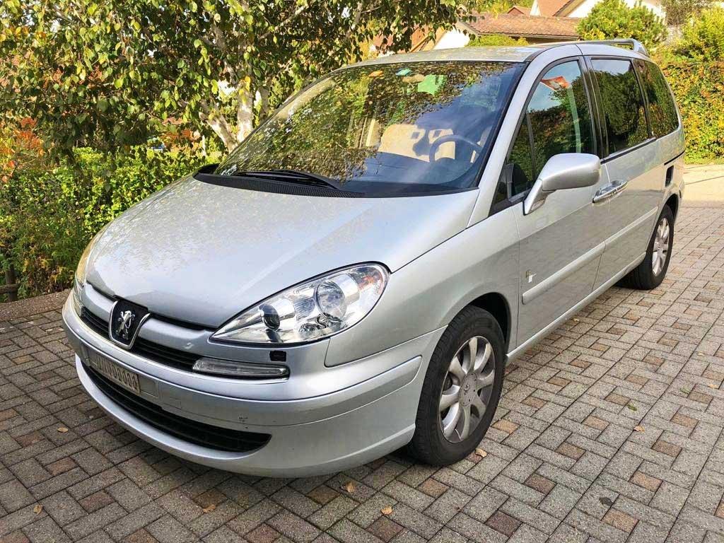 PEUGEOT 807 2,0 16V ST Family+ Kompaktvan Minivan Benziner 2008 manuell 181000km 1900kg 1997ccm 140PS