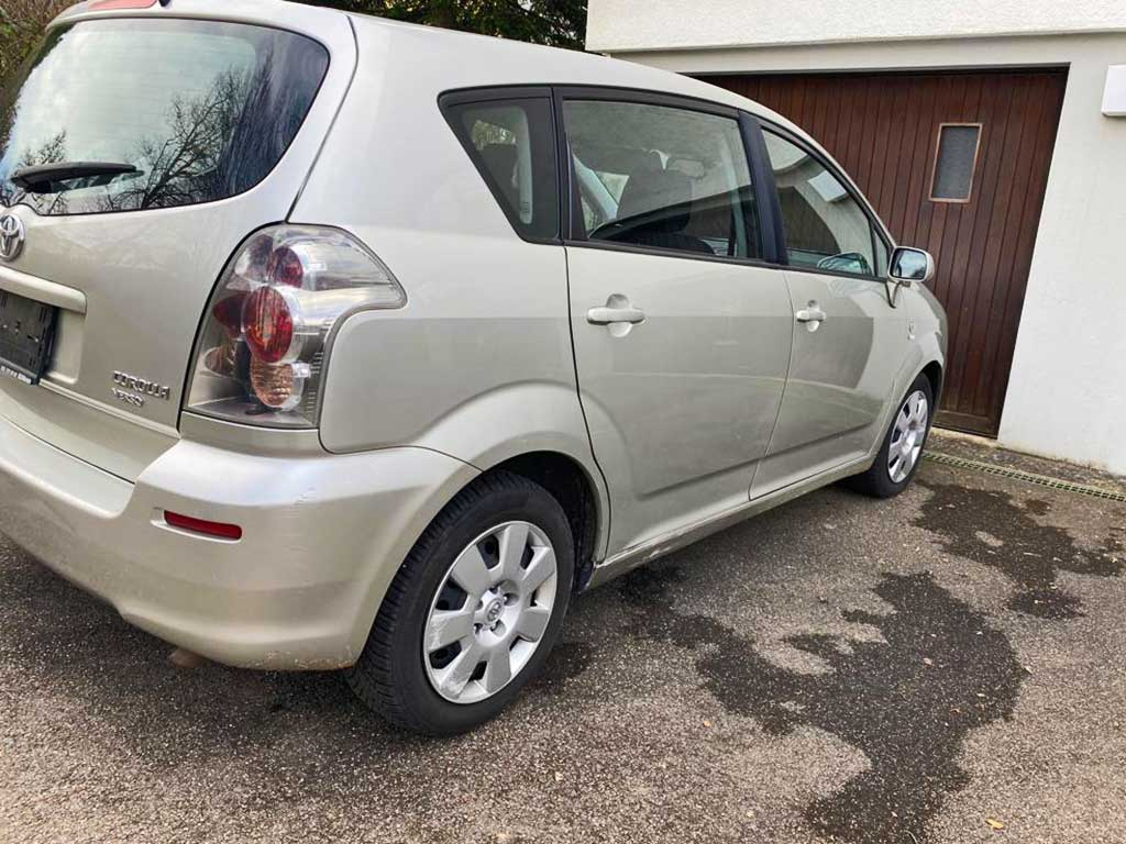 TOYOTA Corolla Verso 1,8 Linea Luna Kompaktvan Minivan 2007 Benziner Automat 214000km 129PS 1794ccm 7Sitze 1505kg 7,7L