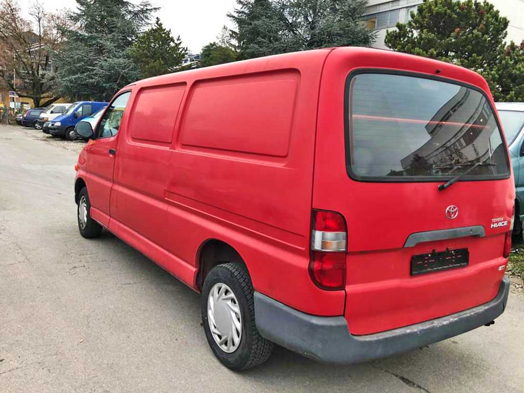 TOYOTA Hiace 2,7 Kombi LWB Bus 2005 Benziner manuell 254000km 143Ps 2643ccm 1790kg Hinterradantrieb EuroNorm3