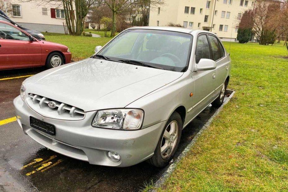 HYUNDAI Accent 1,5 GLS Limousine 2001 Automat Benziner 1495ccm 89PS 245000km 1170km 6,9L