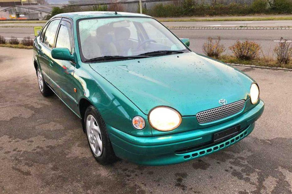 TOYOTA Corolla 1,6 Linea Luna Chic A Limousine 1999 Benziner manuell 224000km 107PS 1587ccm 1190kg