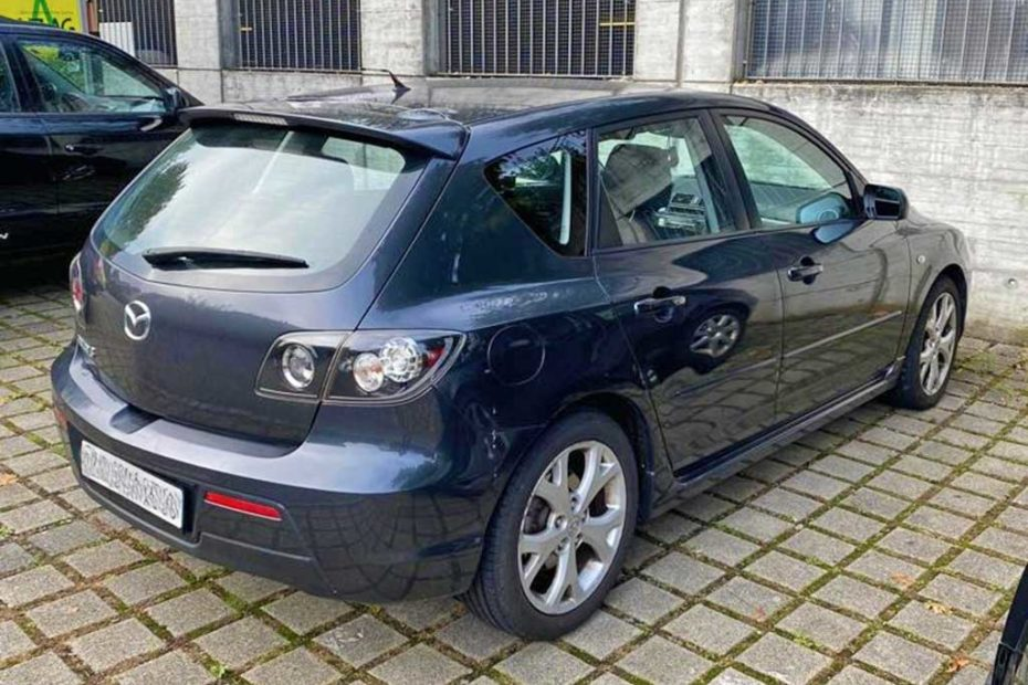 MAZDA 3 1,6 16V Exclusive Limousine 2008 Benziner manuell dunkelblau 139000km 1290kg 105PS 1598ccm