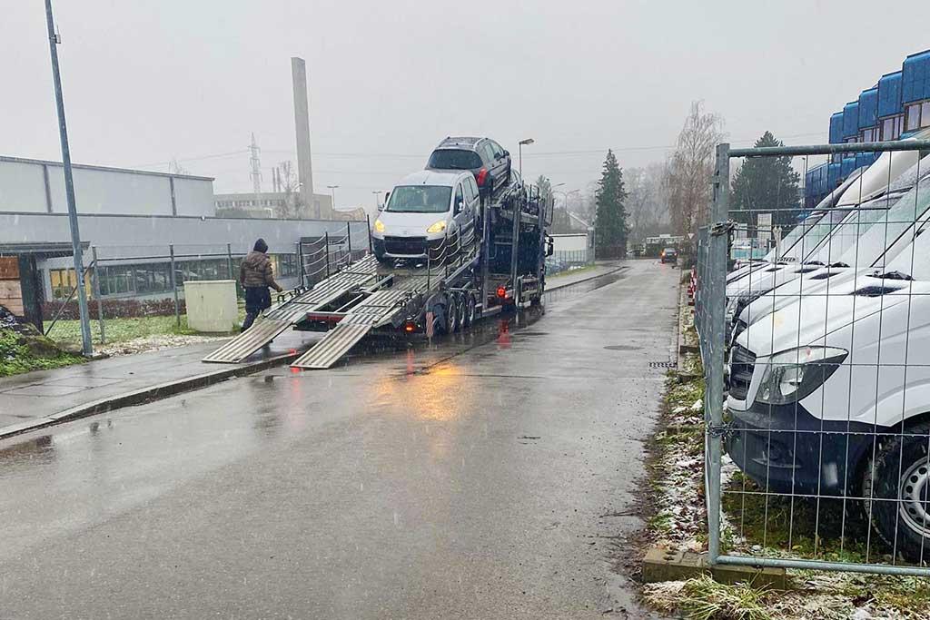 Auto Itani Autoverlad Shipping