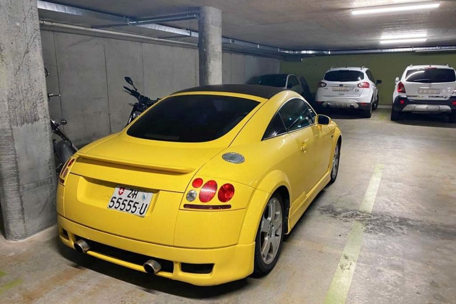 AUDI TT Coupe 1,8 T quattro 2005 Benziner manuell 93000km Allrad 225PS 1781ccm 1580kg