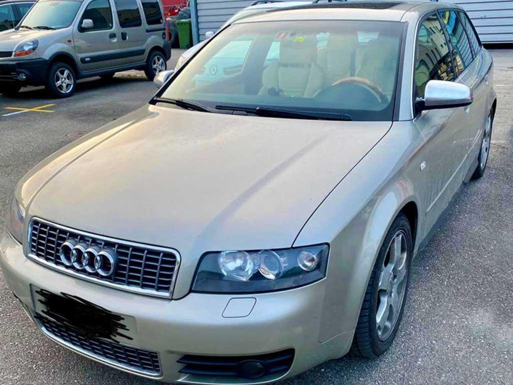 AUDI S4 Avant 4.2 V8 quattro Kombi 2004 Benziner Automat 254000km 8Zylinder